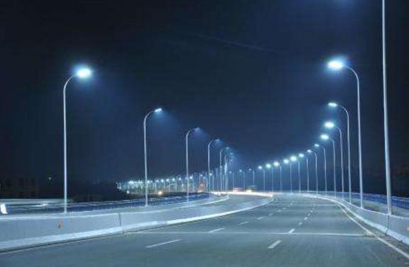 「LED 路燈散發的藍光」的圖片搜尋結果