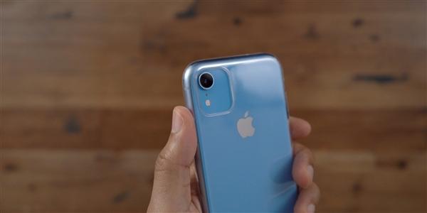 新iPhone或许就是这样了!后置浴霸设计太抢眼