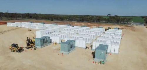 特斯拉在美部署Megapack最新巨型电池储能设备