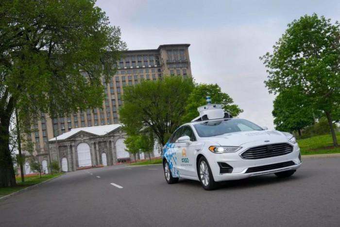 福特准备大举进军电动汽车市场 将携手大众