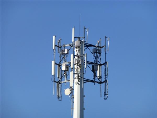 追赶移动!联通电信共建共享5G基站:每家运营商可省2000亿