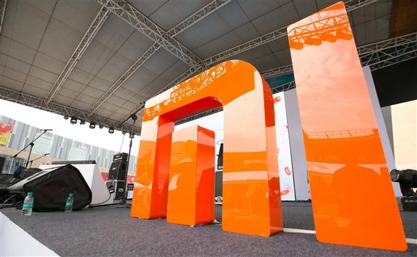 Redmi红米70英寸巨屏电视来了!和荣耀智慧屏全面战争开启
