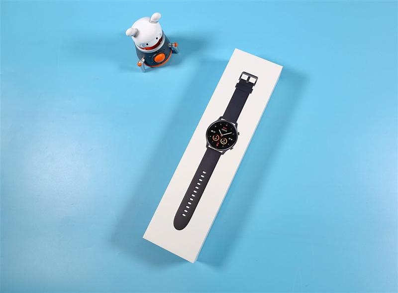 从方到圆的帅气进化!小米手表Color评测:拼完功能又比颜值